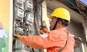 Lượng điện tiêu thụ ở Hà Nội tăng kỷ lục vì nắng nóng