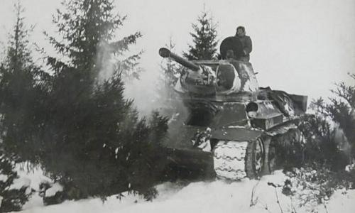 Một chiếc T-34 Liên Xô tham chiến năm 1943. Ảnh: Wikipedia.