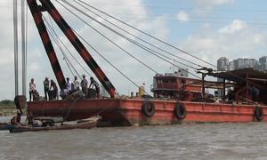 Tìm thấy thi thể 2 nạn nhân vụ chìm sà lan trên sông Sài Gòn