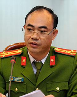 Thượng tá Trần Hồng Phú.
