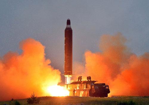 Thế giới đang thực sự lo ngại về sự phát triển vũ khí hạt nhân.