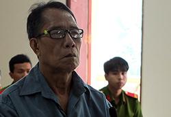 Huỳnh Văn Xê tại phiên toà ngày 6/7. Ảnh: An Phú