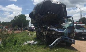 Xe tải gây tai nạn liên hoàn, 3 người tử vong