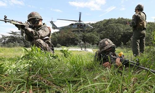 Các binh sĩ Hàn Quốc tham gia một bài huấn luyện trong khuôn khổ cuộc tập trận chung Người bảo vệ Tự do Ulchi hồi năm 2017. Ảnh: Yonhap.