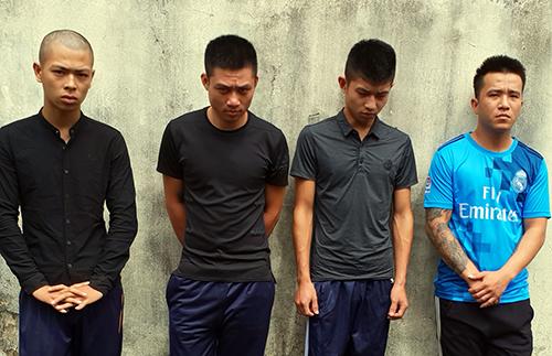 Nhóm thanh niên bắt cóc, tra khảo anh Thảo đang bị cảnh sát tạm giữ. Ảnh: Lan Vy
