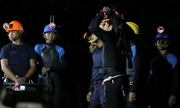Những thợ lặn 'liều cả tính mạng' cứu các thiếu niên Thái Lan
