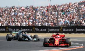 Vettel lần đầu tiên sau chín năm về nhất tại Silverstone