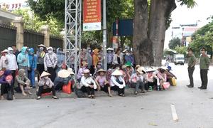 Hàng trăm tiểu thương đòi công bố nguyên nhân cháy chợ Sóc Sơn