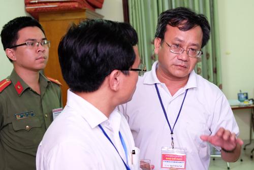 Phòng chấm thi của hội đồng tỉnh Hòa Bình. Ảnh: Quỳnh Trang.