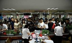 Kỳ thi đại học kết thúc, hàng loạt phụ huynh Trung Quốc ly hôn