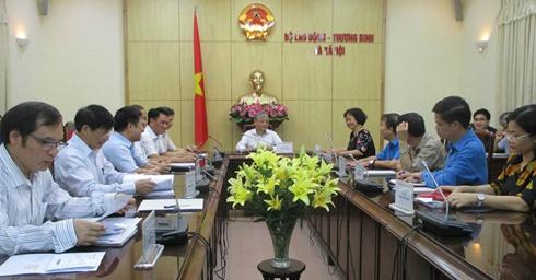 Hội đồng tiền lương quốc gia họp phiên đầu tiên chiều 9/7. Ảnh: Anh Duy.