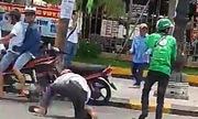 Nhóm tài xế Grab hỗn chiến với xe ôm truyền thống ở Huế