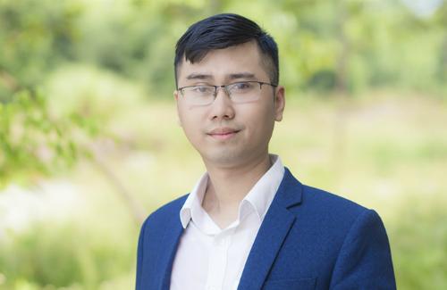 Anh Trần Thế Hùng là thủ khoa cả đầu vào và đầu ra của Đại học Hà Tĩnh. Ảnh: NVCC