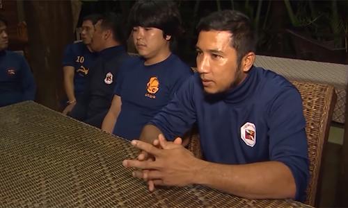[Caption]Narongsuk Keasub là một trong các thợ lặn thuộc Cơ quan Điện lực Thái Lan