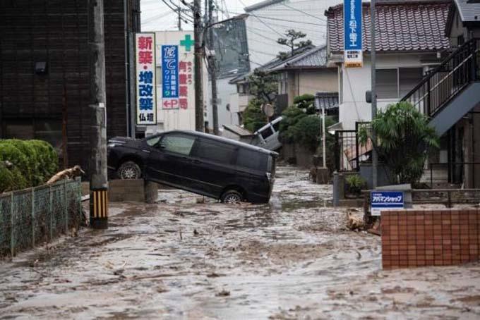 Miền tây Nhật bị tàn phá trong mưa lũ lịch sử