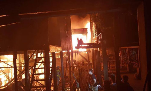 Nhiều người Việt ở Phnom Penh mất hết tài sản sau đám cháy sáng10/7. Ảnh: Đại sứ quán Việt Nam tại Campuchia.
