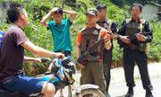 Công an cắm chốt bảo vệ người dân ở 'thung lũng ma túy Tà Dê'