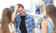 Mẫu câu tiếng Anh khi bắt chuyện với người lạ