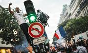 Pháp hỗn loạn vì ăn mừng chiến thắng World Cup, 27 người bị thương