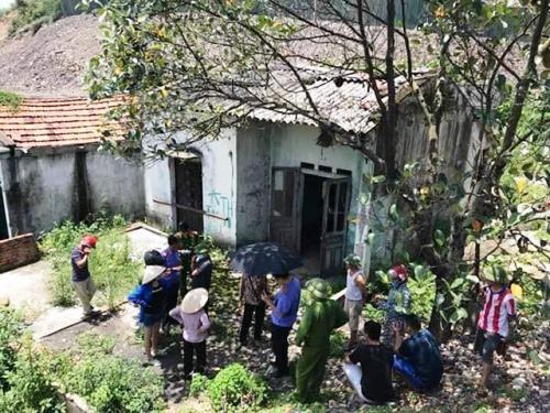 Căn nhà hoang nơi nhóm công nhân phát hiện thi thể người đàn ông đang phân hủy. Ảnh: CTV