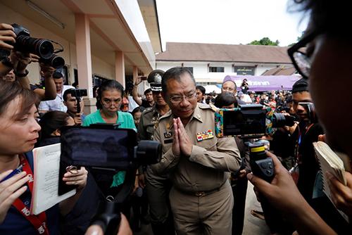 ông Narongsak Osatanakorn, người đứng đầu trung tâm điều phối chiến dịch cứu hộ,