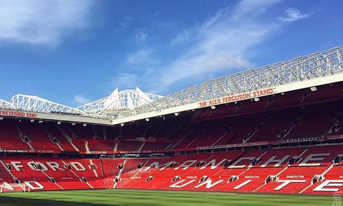 Sân vận độngOld Trafford của câu lạc bộManchester United