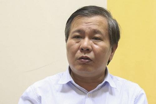 Phó giám đốc Sở Giáo dục Hà NộiLê Ngọc Quang khẳng định thu phí giữ chỗ là sai quy định. Ảnh: Gia Chính