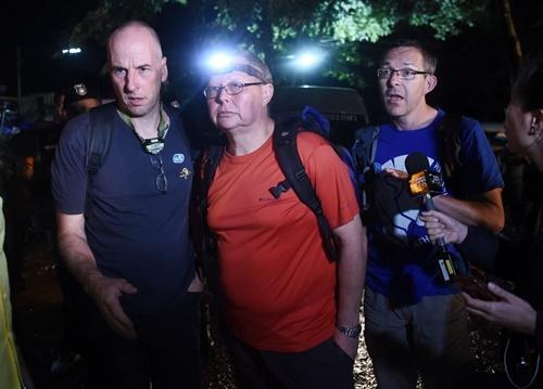 Từ trái qua, Richard William Stanton, Robert Charles Harper và John Volanthen. Ảnh: AFP.