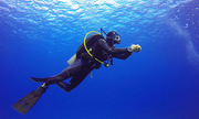 Vì sao thợ lặn uống nước mắm trước khi xuống nước?