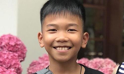 [Chanin Viboonrungruang là em út trong đội bóng nhí Lợn Hoang. Ảnh: