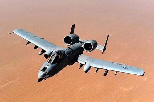 Cường kích A-10 là máy bay yểm trợ hỏa lực tầm gần ưa thích của bộ binh Mỹ. Ảnh: USAF.
