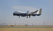 Mỹ tính triển khai UAV 180 triệu USD giám sát Biển Đông