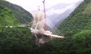 Colombia phá cầu dây văng bị lỗi thiết kế bằng thuốc nổ