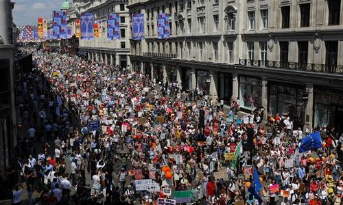 Biểu tình chống Trump tại London ngày 13/7. Ảnh: Reuters.