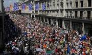 Hàng chục nghìn người biểu tình chống Trump tại Anh
