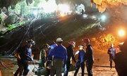 Thợ lặn giải cứu đội bóng nhí Thái từng mất dấu dây dẫn đường