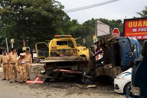 Vụ tai nạn tàu hỏa xảy ra ở Hưng Yên. Ảnh: H.Y