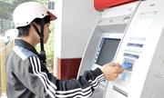 Khi nào thì các ngân hàng lại tiếp tục 'đòi' tăng phí ATM?