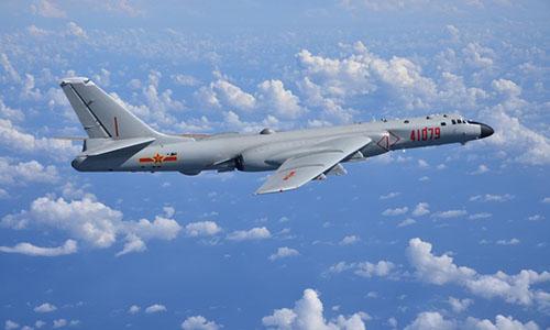 Một chiếc H-6K tham gia diễn tập trên Biển Đông. Ảnh: Global Times.