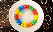Làm thế nào để vẽ cầu vồng rực rỡ từ những viên kẹo?