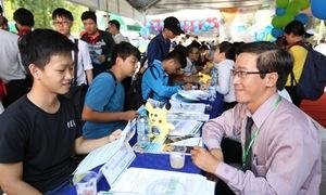 Ngày hội tư vấn xét tuyển ở Hà Nội và TP HCM