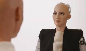 Những phát ngôn hài hước và gây sốc của robot Sophia