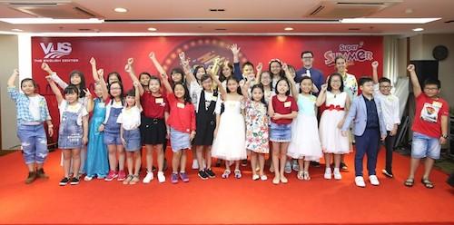 Là những tân binh của mùa giải năm nay, các thí sinh Kids đã thể hiện tài năng ca hát tiếng Anh với đa dạng dòng nhạc như pop, pop ballad, R&B&