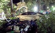 Ôtô 4 chỗ lao vào quán cà phê, tông chết hai nữ sinh