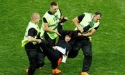 Thế giới ngày 16/7: Nhóm nhạc Nga bị buộc tội sau khi làm gián đoạn trận chung kết World Cup