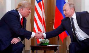 Trump có thể đã nháy mắt với Putin khi bắt đầu họp thượng đỉnh