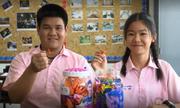 Bạn học gấp 1.000 hạc giấy cầu nguyện cho cầu thủ nhí Thái Lan