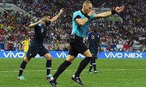 Công nghệ VAR đã ảnh hưởng thế nào đến World Cup 2018?