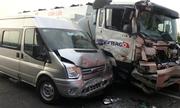 Tai nạn trên cao tá»c TP HCM - Long Thành do xe không giữ khoảng cách an toàn?