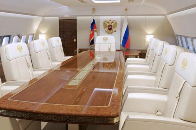 Chuyên cơ mạ vàng, có phòng tập thể hình của Putin